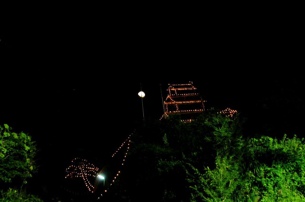 善神王祭(ぜじんのさま) まぼろしの岡城再現 本丸三層天守閣(岡神社境内)