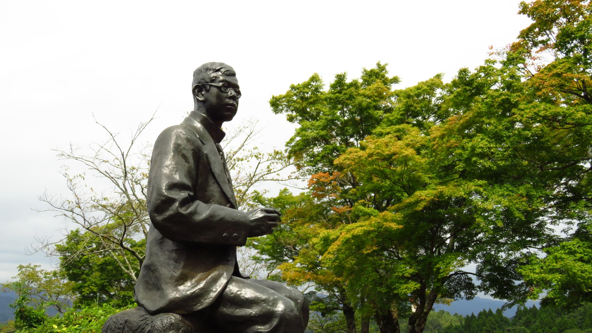 朝倉文夫作 瀧廉太郎像