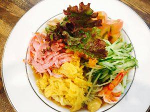 夏に美味しい特製冷麺が、 OBSニュースに登場! ホテルつちや 竹田城下町03