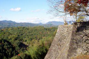 三の丸の高石垣