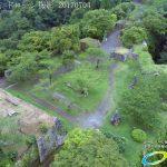 夏の密林のように生い茂る自然に覆われた岡城 ドローン撮影(4K)写真 Vol.7 20170704 高石垣 武器庫跡