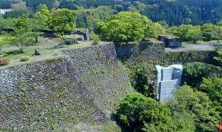 【岡城修復工事】「残念」「あまりに不自然」天空の城に白いコンクリ 補強工事に不満の声 西日本新聞